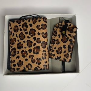 Fossil Animal Print Passport Holder & Luggage Tag